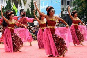 Tak Hanya Sunda, Ketahui Semua Budaya Jawa Barat Ini!